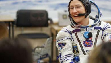 Photo of ३२८ दिन अन्तरिक्षमा बिताएर जब यी महिलले सेताम्य हिउँको जमिनमा पाइला टेकिन्…