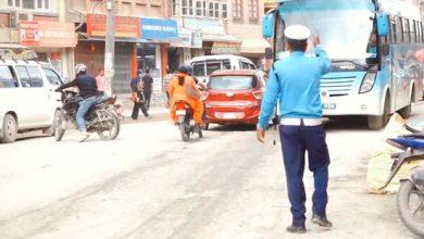 Photo of सवारीसाधन र धुलाेसँगै बित्छ ट्राफिककाे दैनिकी