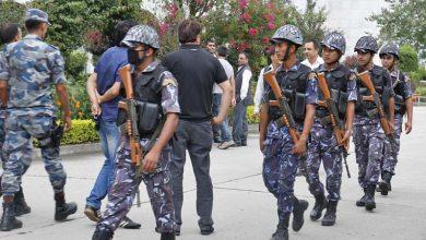 Photo of नेपाल भारत सीमा नाकामा प्रहरी टोली र तस्करबीच जम्काभेट, भयो गोली हानाहान