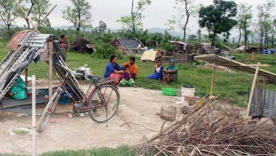 Photo of सशस्त्रले घर भत्काएपछि तीन महिनादेखि ३४ परिवार सुकुम्बासीको पालमुनि वास