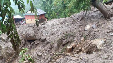 Photo of लमजुङमा पहिरोले १८ घर पुरिए,कसैको खुट्टा भाँचियो कसैको टाउकोमा चोट