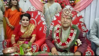 Photo of रमेश प्रसाईको श्रीमती बच्चाको आमा बन्दै,पुगिन अन्जु पन्त र उनको श्रीमान बधाई दिन नन्दाकै आश्रममा