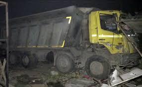 Photo of भारतको सुरतमा दुर्घटना, १५ को मृत्यु, प्रधानमन्त्रीद्धारा राहतको घोषणा