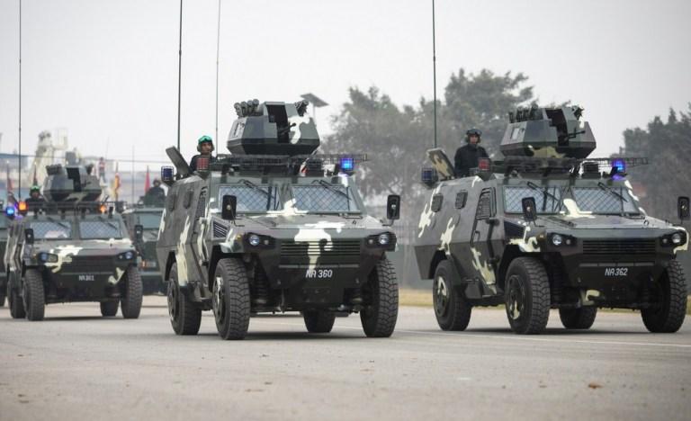 Photo of नेपाली सेनाका  १० बख्तरबन्द गाडीले आज राति चक्रपथ परिक्रमा गर्दै