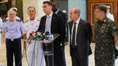 Photo of ब्राजिलका सेना, नौसेना र हवाई सेनाका प्रमुखहरुको एकसाथ राजीनामा