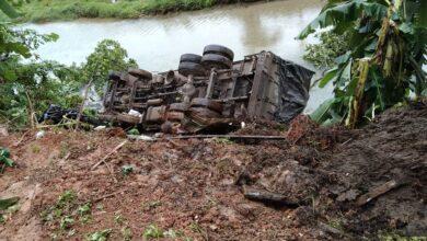 Photo of बुल्दी खोलामा ट्रक खस्यो, चालकको मृत्यु