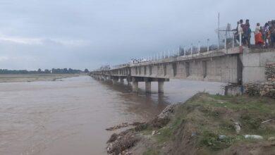 Photo of पप्पु कन्स्ट्रक्सनले निर्माण गरेको कमला नदी पुलको अर्को स्पान पनि भासियो